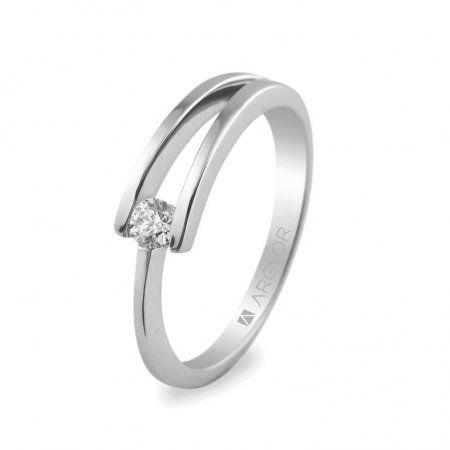 Sortija en oro blanco de 18kt con un diamante de 3mm en talla brillante de 0.10ct (74B0012): 525€ Bajo pedido. Plazo entrega 15 días. También disponible con circonita y en plata http://www.lacasadeloscarrillones.blogspot.com.es/