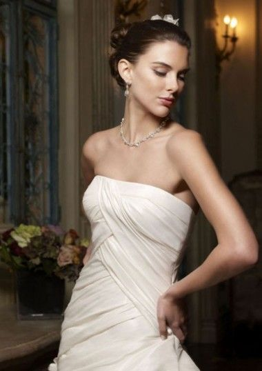 New Design Strapless Pleated Bodice With Bubble Skirt Ivory Taffeta Wedding Gowns For 2013 Bride at 199dresses