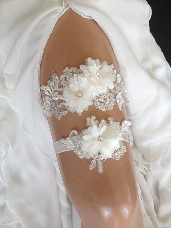 wedding garter set, ivory lace bridal garter set, rhinestone, chiffon flower