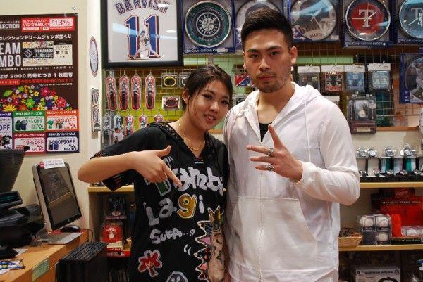 【大阪店】 2014年5月7日 中国から観光でいらして下さいました^^ ヤンキース大量ご購入でしたね!! スナップありがとうございます☆彡