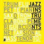 Jazz Instruments van Peter Bölke is een Engelstalig compendium met veel zwart-wit illustraties. Het boek brengt de geschiedenis van de jazz-instrumenten in kaart en de verhalen van de artiesten die ze bespeelden. Het is ingedeeld in 8 hoofdstukken elk gewijd aan een bepaald instrument. Per instrument krijg je een opsomming van de belangrijkste musici, albums en het tijdperk waarin die verschenen. 8 cd's begeleiden het boek.