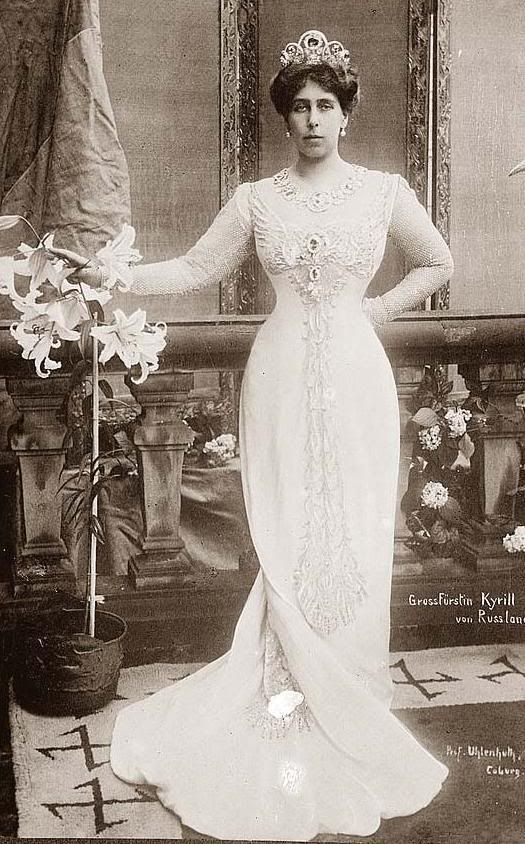This lady got around. Her father was an English Prince and her mother was a Russian princess. Her first marriage was to Alexandra's brother Ernst of Hesse Darmstadt. She divorced him and then married Grand Duke Kirill of Russia. Princess Victoria Melita of Edinburgh-, Grand Duchess of Russia by marriage to the Grand Duke Kirill Vladimirovich, in impressive sapphires and diamond parure.