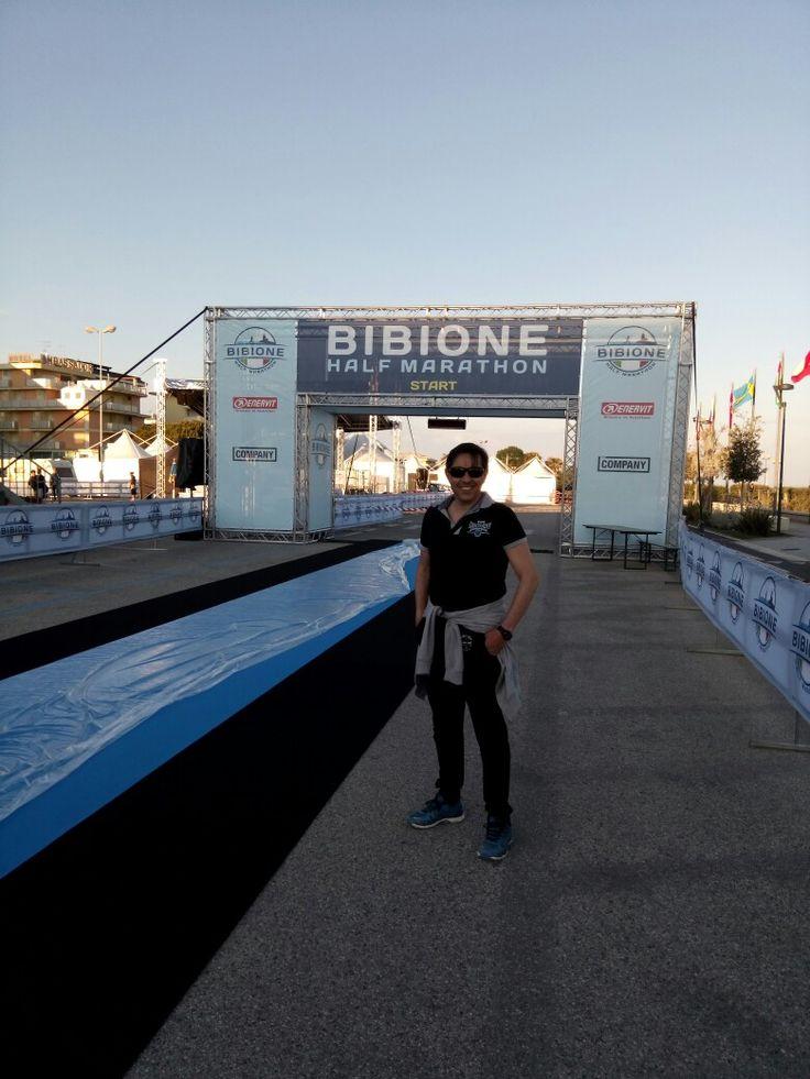 Bibione.  Starting point halfmarathon. Tomorrow we'll run!