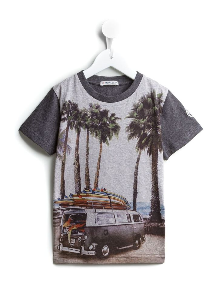 #moncler #tshirt #surf #prints #kids #boys #summer #fashion www.jofre.eu