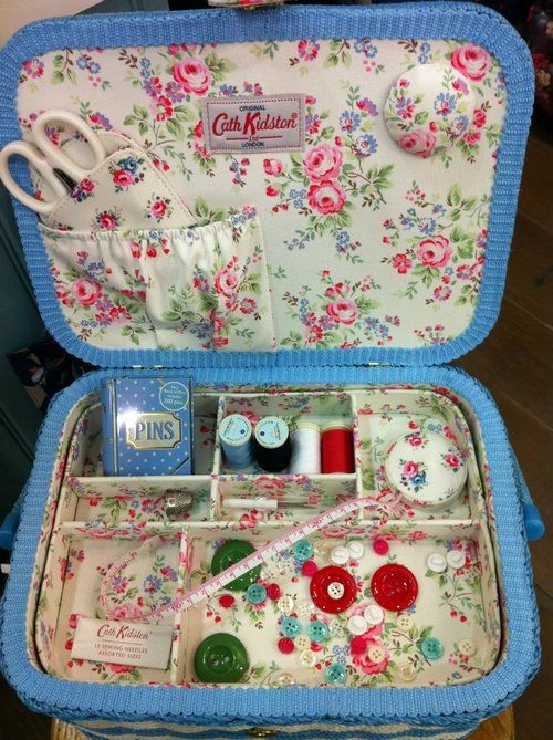 Train case - to - Sewing basket /  Deb- This is how I want to do the inside of my train case