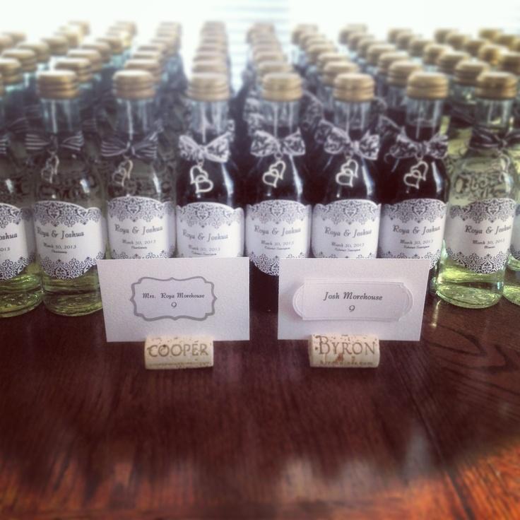 Mini wine bottles for wedding favors rehearsal dinner for Mini wine bottle wedding favors