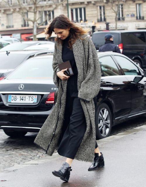 Midi/maxi kleedje + Chelsea's + lange dashboard zwart wit jas