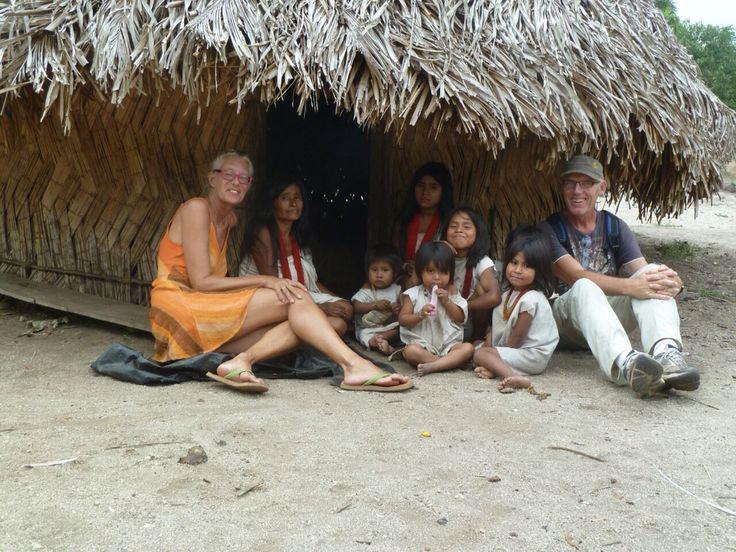 Travelers with sacred community #tikihuthostelpalomino #palomino #laguajira