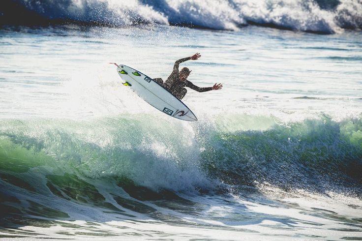 Augustin Arrivé jeune surfeur compétiteur vendéen de chez Rip curl. Suivez son parcours et ses trips surf autour du monde et sa vision du surf aujourd'hui.