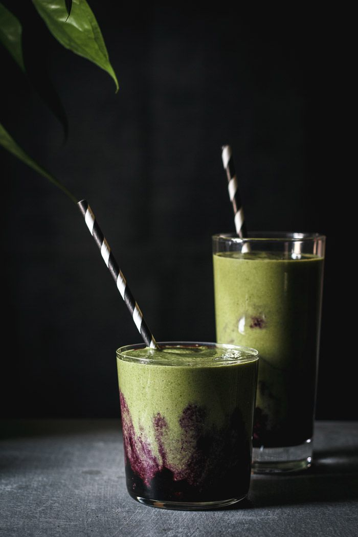 This blueberry matcha smoothie is full of antioxidants, vegan, dairy free and gluten free with a delicious blueberry mash.