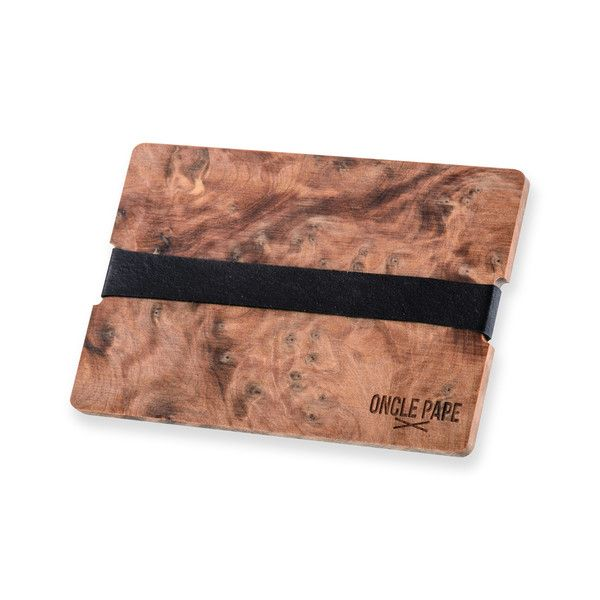 """Le Poète by Oncle Pape.  you can't lost your credit-card with """"Le Poète"""". Adoptez la tendance Bois.Retrouvez les porte-cartes sur www.onclepape.com #noeudpapillon #madeinfrance #artisanal #accessoire #accessoiremode #accessoirebois #bois #wooden #fashion #design"""