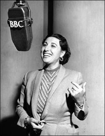 Emel Gazimihal, ilk kadın radyo spikerimiz. (1912-1998)