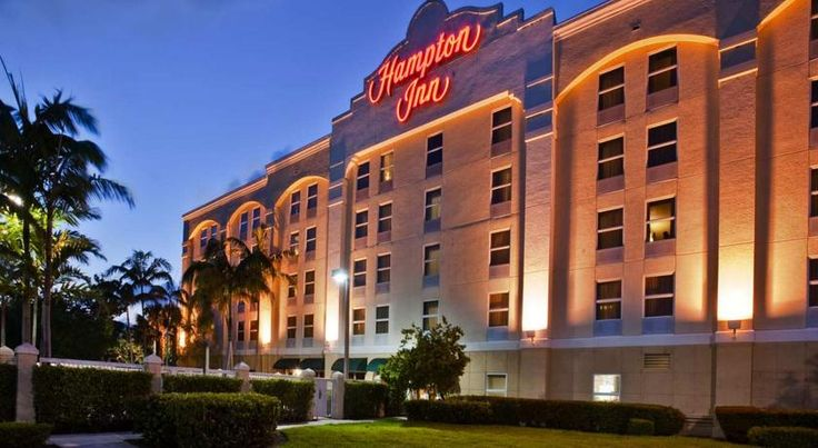 Hampton Inn Ft Lauderdale-Airport North Fort Lauderdale Situated 6 minutes' drive from Fort Lauderdale-Hollywood International Airport and 11 minutes' drive from the beach, this hotel offers airport and cruise port transfer service for a surcharge. Free Wi-Fi is available.