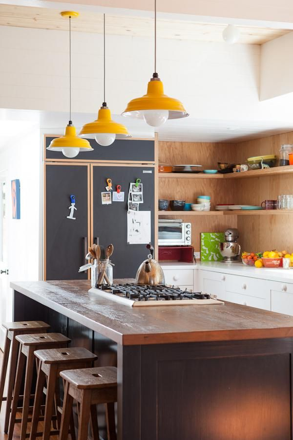 That's what the print says and that may be true ... or not :) What I am noticing though is the demise of the overstuffed, the over thought, the over tweaked, the overdone. I love this Eagle Rock, California house Bestor Architecture. Stylish but casual,...