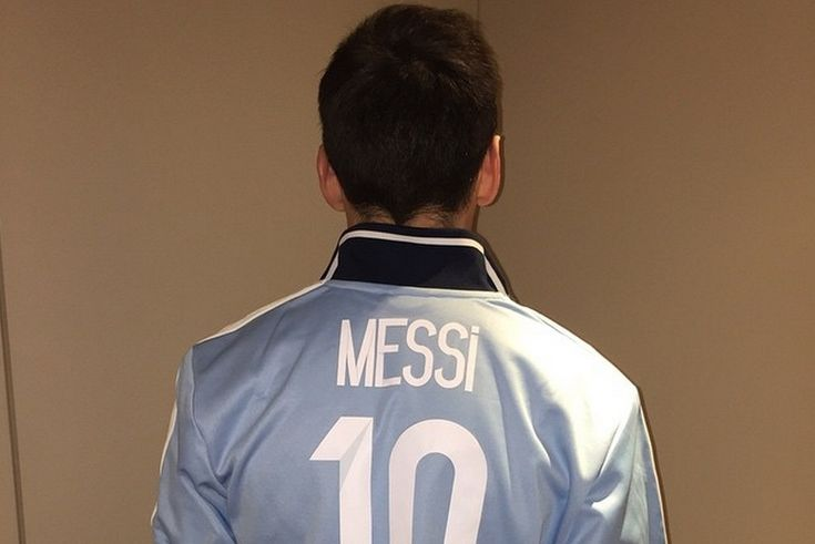 Lionel  Messi  is not just big news on the football field; he's big news on social media too.   The Barcelona master celebrated reaching 10 million followers on  Instagram  with a stylish customised Adidas jacket...