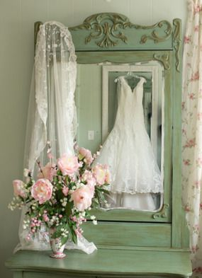 mirror for dress photo