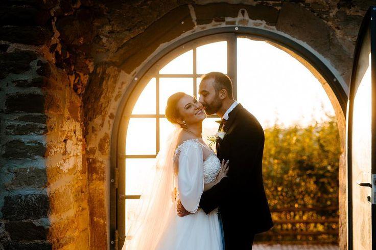#happynewyear  mein Jahr hat angefangen wie es geendet hat... auflegen im Club.. Umzug in eine neues größeres Studio über den Monat hinweg .. neues Jahr neues Glück :) #bananastudio #weddingphotography #weddingday #weddingphotographer #hochzeit #hochzeitsfotograf #hochzeitsfotografie #dügün #dügünfotografcisi #herbst #sonnenuntergang #sunset #schloss #castle #heilbronn #karlsruhe #badenbaden #stuttgart #Pforzheim www.cemgecginci.com