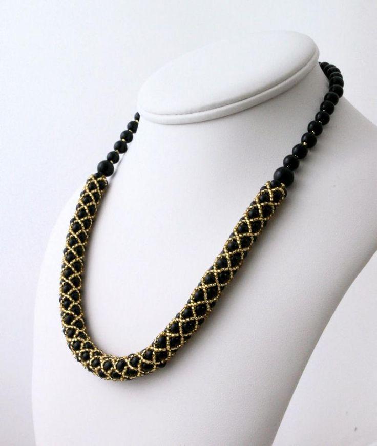 Náhrdelníky - Perličkový náhrdelník čierno zlatý - 3567108
