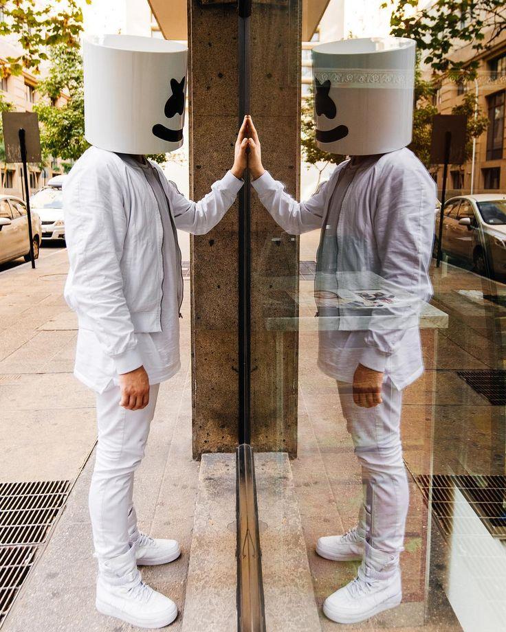 "272.7 mil Me gusta, 788 comentarios - marshmello [✖‿✖] (@marshmellomusic) en Instagram: ""Always good to do a little self reflecting"""