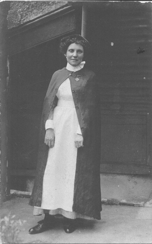 White pinafore apron nurse - Edwardian Nurse Outdoor Uniform Possibly Plymouth