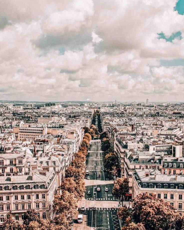 24 Hours in Paris: The Layover Edition What do you…