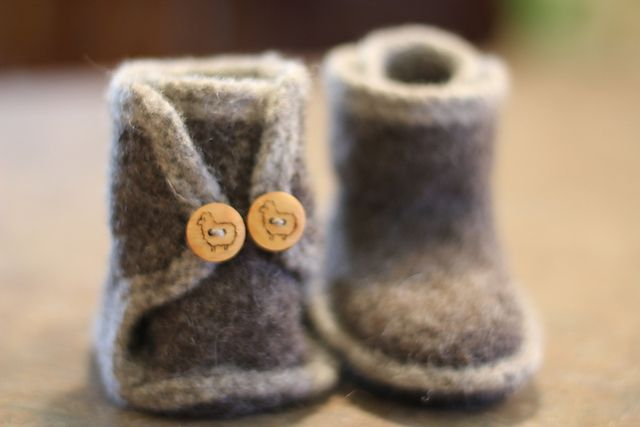 Felted baby boots- I want to make these for Avery this winter!!