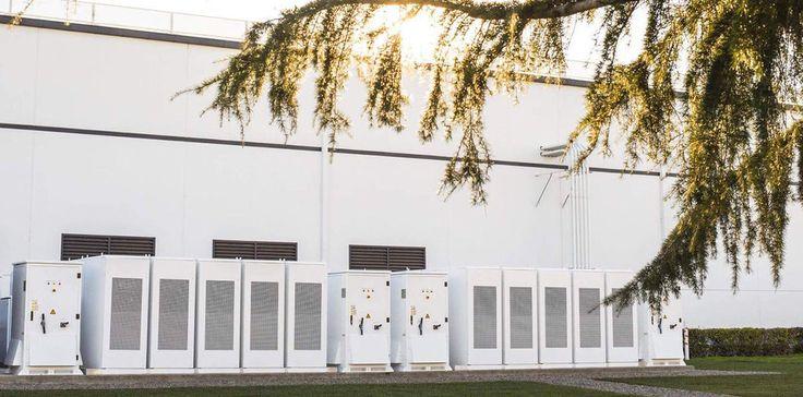 💡Тайвань просит #Tesla построить на острове хранилище энергии  Аварии в электросети Тайваня приводят к большому экономическому ущербу. Чтобы не допустить этого вновь, правительство обращается к Tesla с просьбой установить на острове систему хранения энергии, аналогичную той, что компания собирается построить в Австралии.  На #Тайване недавно произошло полное обесточивание острова, от которого пострадали миллионы домашних хозяйств. Это привело к огромному экономическому ущербу, из-за…