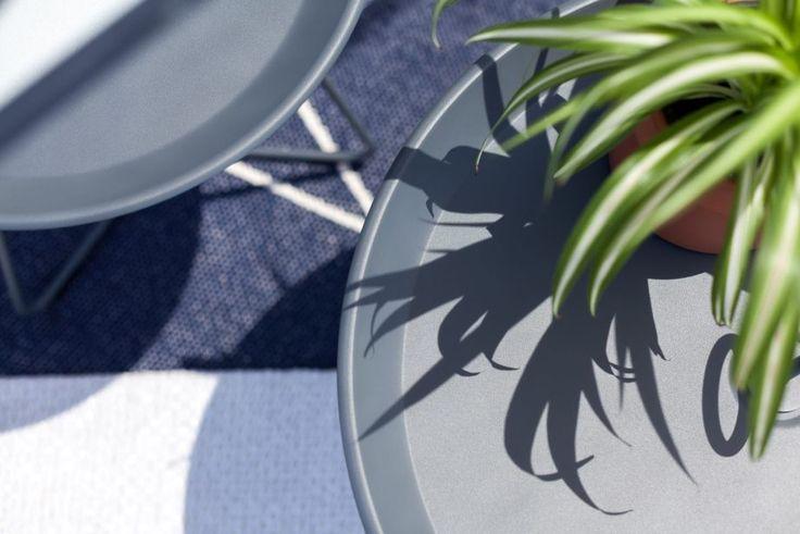 Houe - tables d'appoint Eyelet Pappelina - tapis Max  Terrasse des Goudes à Marseille par @GoodDesignstore @CotéjardinCotéTerrasse @Archik  Crédit photo : © FranKc Orsoni photographie / www.frankcorsoni.com