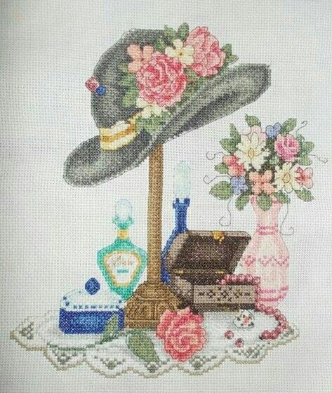 0 point de croix chapeau parfum et collier - cross stitch hat perfume and necklace