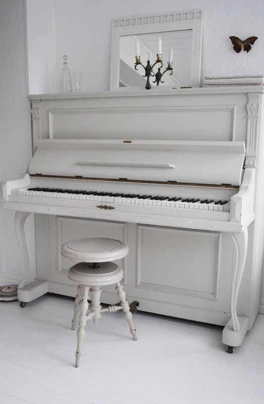 les 25 meilleures id es de la cat gorie tabouret de piano sur pinterest banc de piano pianos. Black Bedroom Furniture Sets. Home Design Ideas