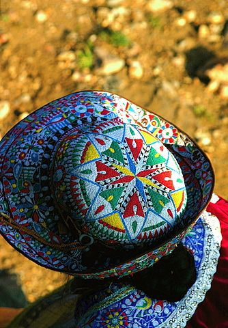 Textile Designs of the Colca Valley - Arequipa, Peru by Mariel Gonzales  Flickr (CC BY-NC-SA 2.0)