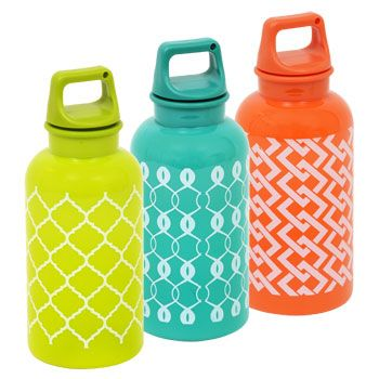 Replenish and refresh this spring and summer with these large 16-oz. plastic water bottles! Plastic water bottles have convenient screw-on caps are perfect for cyclists, runners, hikers, and all-day h