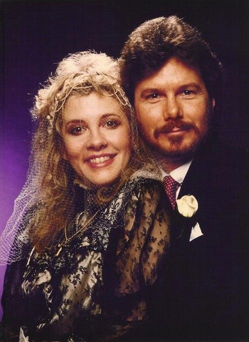 Rare portrait from Stevie's wedding (January 29, 1983).....should be Lindsey
