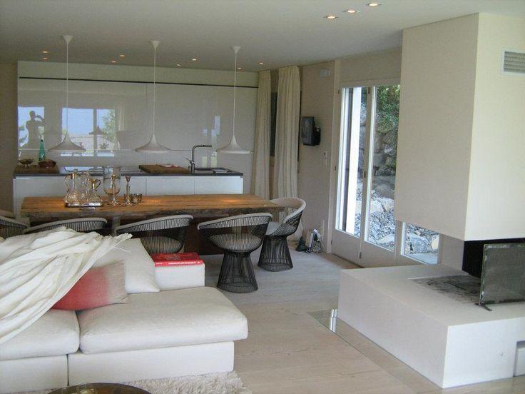 IDEA SOGGIORNO - MOMA DESIGN - colore parquet cucina bianca lucida tavolo legno
