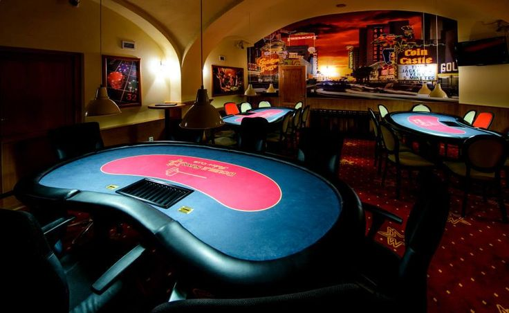 Interiér Double Star Poker Club