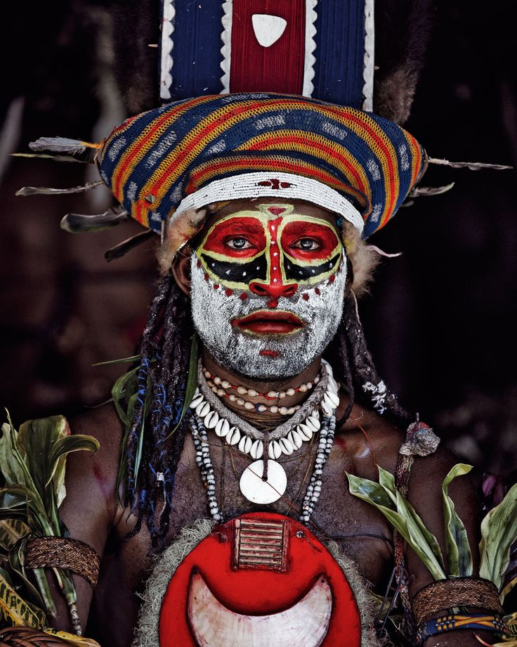 Papua New Guinea | Goroka is the capital of the Eastern Highlands Province.The renowned Goroka Show is a three-day event that takes place annually around the time of the country's Independence Day (September 16). Dating back to 1957, it is the oldest tribal gathering in Papua New Guinea.Over 100 tribes from the region show their music, dance and culture. | ©Image and caption Jimmy Nelson