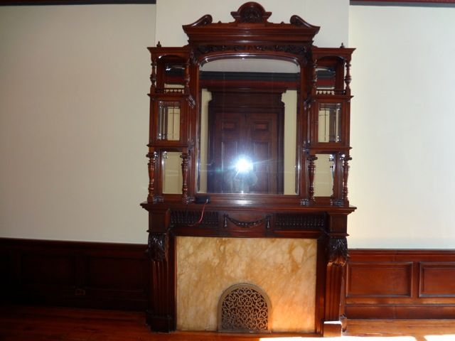 506-antique-carved-tall-fireplace-mantle.jpg (640×480)