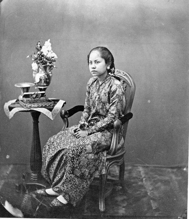 Vintage photo of Javanese woman