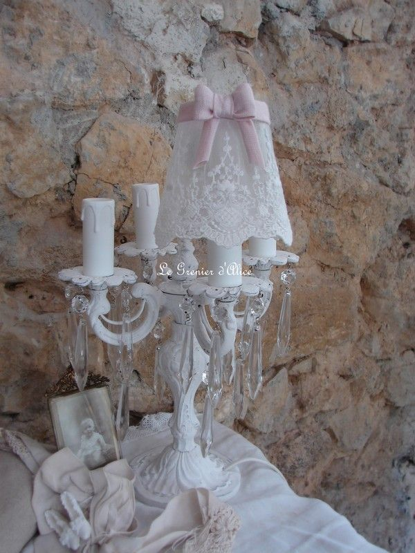 Abat jour shabby chic voile dentelle blanche noeud au choix. Shabby chic lampshade
