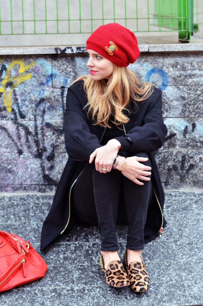 : Red Leopards, Black Outfits, Leopards Shoes, Red Shoes, Red Hats, Animal Prints, Black Jeans, Leopards Loafers, Red Black