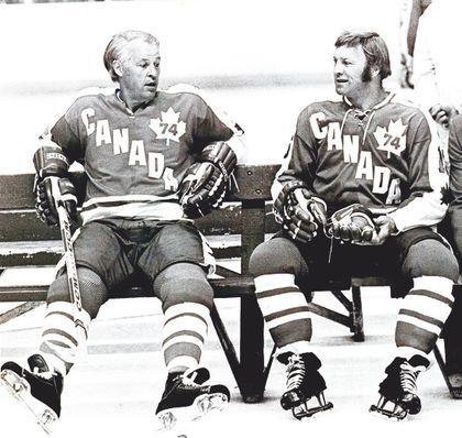 1974 WHA Team Canada - Gordie Howe & Bobby Hull