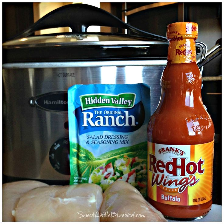 If you love Buffalo-style chicken wings and Frank's Buffalo RedHot Wings Sauce, this is a recipe you must try - Crock Pot Buffalo-Ranch Shr...