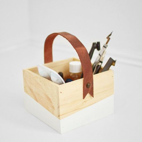 DIY Leather Handle Box - The details at the end of the leather handle and the bit of color are just perfect.  I'd like to varnish the wood so I can use it in the bathroom too.