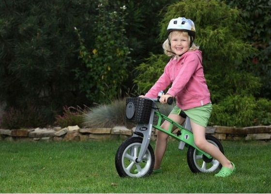 http://www.mamidecora.com/juguetes-bicis-sin-pedales-First%20Bike.html