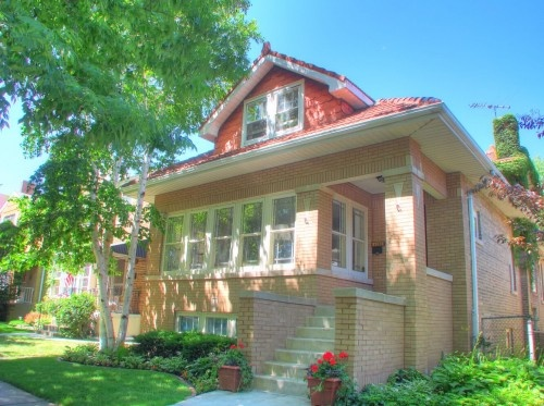 26 best images about chicago bungalows on pinterest 2nd for Bungalow house chicago