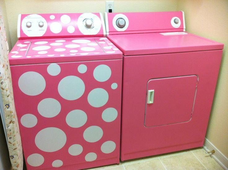 Pink polka dot washing machine ~okay if I paint my laundry machine pink I just might start doing some wash ;-) but I wonder what my husband would say?