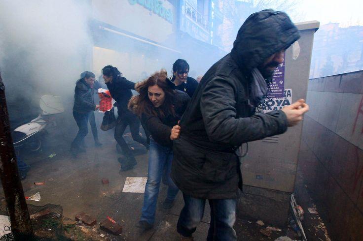 30 Horrific Images From Second Night Of Clashes In Turkey After Burial Of Berkin Elvan http://www.huffingtonpost.co.uk/2014/03/12/berkin-elvan-turkey-_n_4952099.html?utm_hp_ref=tw