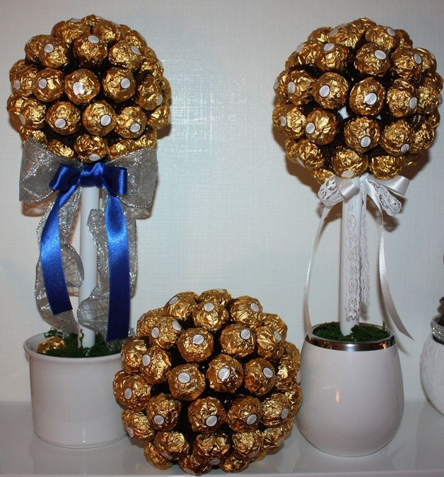*Ferrero Rocher Baum*  ca.55  Pralinen  Du weißt nicht, was Du einer Person schenken sollst, die alles hat ?  Wie wäre es mit einem *Schokoladen-Baum* ? - Das perfekte Geschenk !  *Es ist nicht nur...