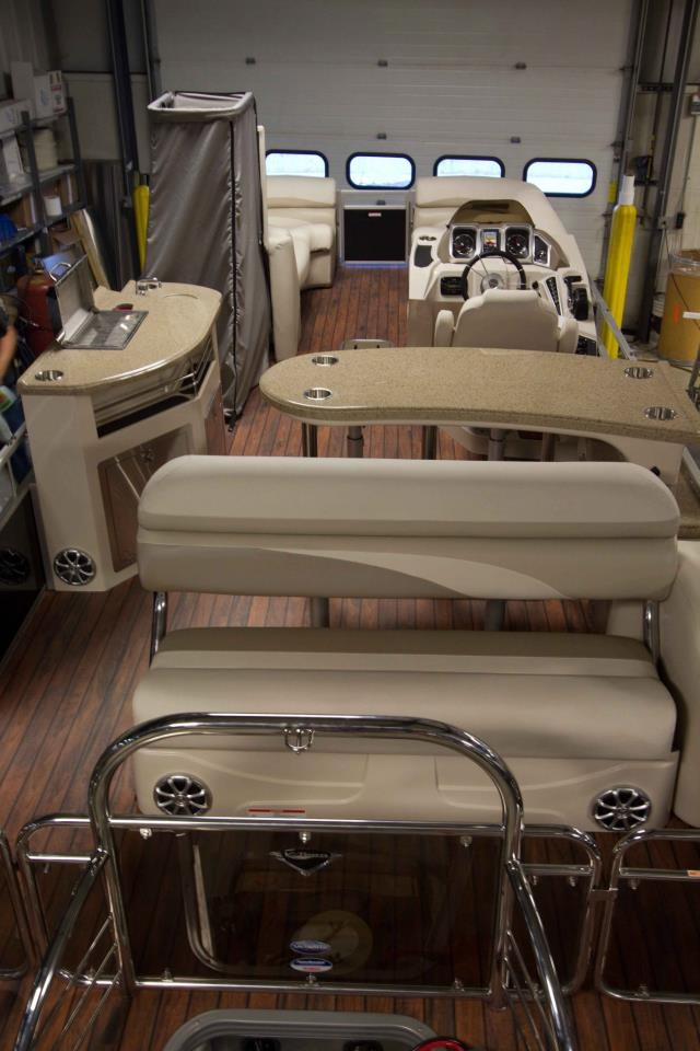 manitou ses entertainer pontoon boat want that teak wood flooring