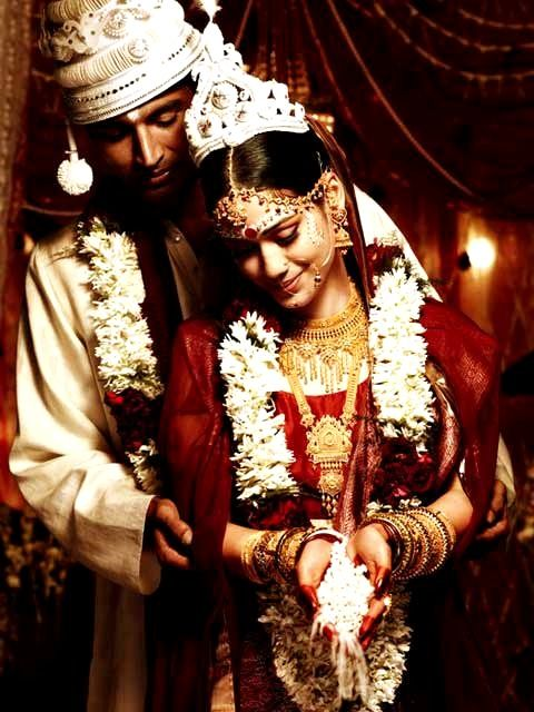 TANISHQ ad - Bengali Wedding - bride and groom during ceremony |||| #bengaliwedding #indianmarriages